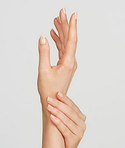 Find your ANTI-AGE Hand Treatment Regimen Here